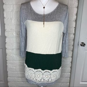Fantastic Fawn Colorblock 3/4 Sleeves Top S